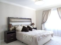 R 16,500 - 2 Bedroom, 2 Bathroom  Property To Let in Morningside