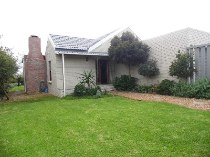 R 1,995,000 - 3 Bedroom, 2 Bathroom  Home For Sale in The Crest