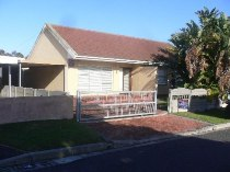 R 1,395,000 - 3 Bedroom, 2 Bathroom  House For Sale in Bothasig,   Parow-Goodwood