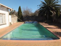 R 1,450,000 - 4 Bedroom, 2 Bathroom  Property For Sale in Valhalla