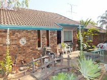 R 1,380,000 - 3 Bedroom, 2 Bathroom  House For Sale in The Reeds