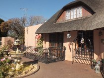 R 2,200,000 - 4 Bedroom, 2 Bathroom  House For Sale in Doringkloof