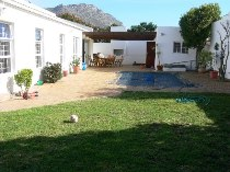 R 1,750,000 - 3 Bedroom, 2 Bathroom  House For Sale in Marina Da Gama