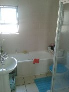 R 750,000 - 2 Bedroom, 1 Bathroom  Flat For Sale in Pine Slopes