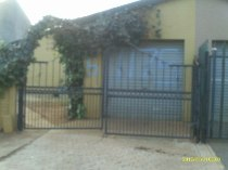 R 550,000 - 3 Bedroom, 1 Bathroom  Home For Sale in Ennerdale