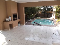 R 16,000 - 4 Bedroom, 2.5 Bathroom  House To Rent in Bryanston West