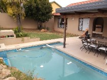 R 16,800 - 3 Bedroom, 2 Bathroom  Home To Rent in Rivonia