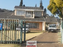 R 1,200,000 - 5 Bedroom, 3 Bathroom  Property For Sale in Glenanda