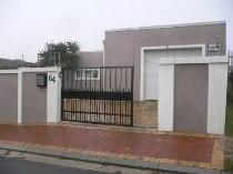 R 945,000 - 3 Bedroom, 1 Bathroom  House For Sale in Richwood,   Parow-Goodwood