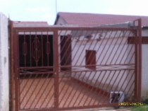 R 600,000 - 2 Bedroom, 1 Bathroom  Property For Sale in Vosloorus