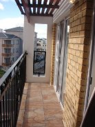R 6,850 - 2 Bedroom, 1 Bathroom  Apartment To Let in Wynberg