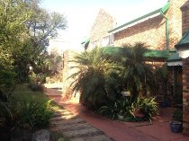 R 1,995,000 - 4 Bedroom, 2 Bathroom  House For Sale in Faerie Glen