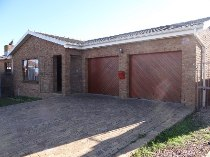 R 1,890,000 - 3 Bedroom, 1.5 Bathroom  Property For Sale in Sonstraal Heights