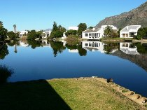 R 2,495,000 - 3 Bedroom, 3 Bathroom  House For Sale in Marina Da Gama