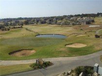 R 5,500 - 1 Bedroom, 1 Bathroom  Flat To Rent in Jackal Creek Golf Estate, Randburg