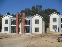 R 786,000 - 2 Bedroom, 1 Bathroom  Property For Sale in Ferndale