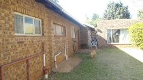 R 870,000 - 3 Bedroom, 2 Bathroom  House For Sale in Crystal Park