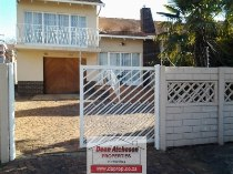 R 1,490,000 - 4 Bedroom, 2 Bathroom  House For Sale in Dawnview