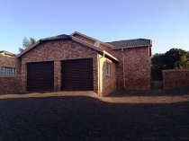 R 1,090,000 - 3 Bedroom, 2 Bathroom  Property For Sale in Amorosa