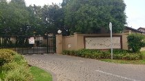 R 780,000 - 2 Bedroom, 2 Bathroom  Property For Sale in Rooihuiskraal North