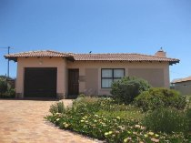 R 7,900 - 3 Bedroom, 2 Bathroom  Property To Let in Langebaan Country Estate, Langebaan