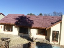 R 800,000 - 4 Bedroom, 2 Bathroom  House For Sale in Lindhaven