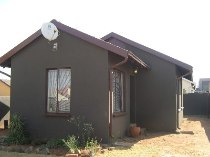 R 485,000 - 3 Bedroom, 1 Bathroom  Property For Sale in Protea Glen