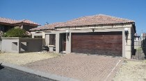 R 1,500,000 - 3 Bedroom, 2 Bathroom  Home For Sale in Parkhaven