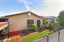 R 1,197,000 - 3 Bedroom, 2 Bathroom  House For Sale in Bellville