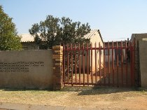 R 370,000 - 2 Bedroom House For Sale in Soweto