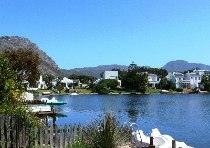 R 2,200,000 - 3 Bedroom, 2 Bathroom  House For Sale in Marina Da Gama