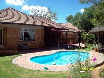 R 995,000 - 4 Bedroom, 3 Bathroom  House For Sale in Doorn