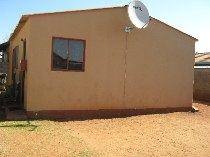 R 340,000 - 2 Bedroom, 1 Bathroom  House For Sale in Protea Glen