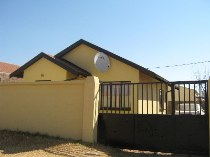 R 398,000 - 2 Bedroom, 1 Bathroom  Home For Sale in Protea Glen