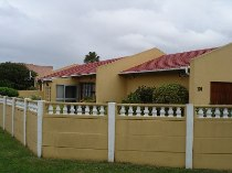 R 899,000 - 3 Bedroom, 2 Bathroom  House For Sale in Kraaifontein