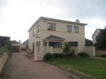 R 1,950,000 - 5 Bedroom, 2 Bathroom  Property For Sale in Muizenberg, Cape Town, South Peninsula