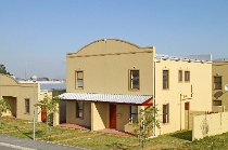 R 690,000 - 3 Bedroom, 2 Bathroom  House For Sale in Silversands, Cape Town, Eastern Suburbs