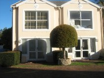 R 1,075,000 - 2 Bedroom, 1 Bathroom  Flat For Sale in Dieprivier, Cape Town, Southern Suburbs