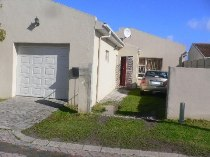 R 740,000 - 3 Bedroom, 1 Bathroom  Property For Sale in Summer Greens