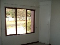 R 4,500 - 2 Bedroom, 1 Bathroom  Property To Let in Little Falls, Roodepoort