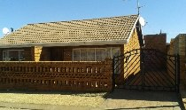 R 550,000 - 2 Bedroom, 1 Bathroom  House For Sale in Protea North