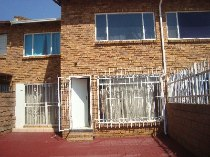 R 598,000 - 3 Bedroom, 1.5 Bathroom  Property For Sale in Florida