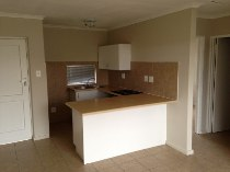 R 750,000 - 2 Bedroom, 1 Bathroom  Flat For Sale in Sonstraal Heights