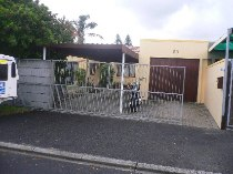R 960,000 - 3 Bedroom, 2 Bathroom  House For Sale in Richwood,   Parow-Goodwood