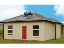 R 402,000 - 2 Bedroom, 1 Bathroom  Property For Sale in Crystal Park