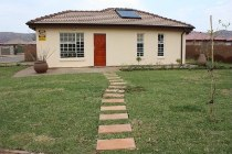 R 490,000 - 3 Bedroom, 1 Bathroom  House For Sale in Crystal Park