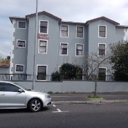 R 550,000 - 2 Bedroom, 1 Bathroom  Property For Sale in Wynberg