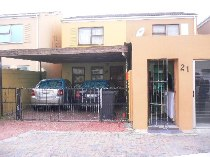 R 569,000 - 3 Bedroom, 1 Bathroom  House For Sale in Summer Greens