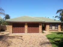 R 1,759,000 - 3 Bedroom, 2 Bathroom  Home For Sale in Protea Heights