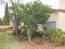 R 950,000 - 3 Bedroom, 1 Bathroom  Property For Sale in Valhalla